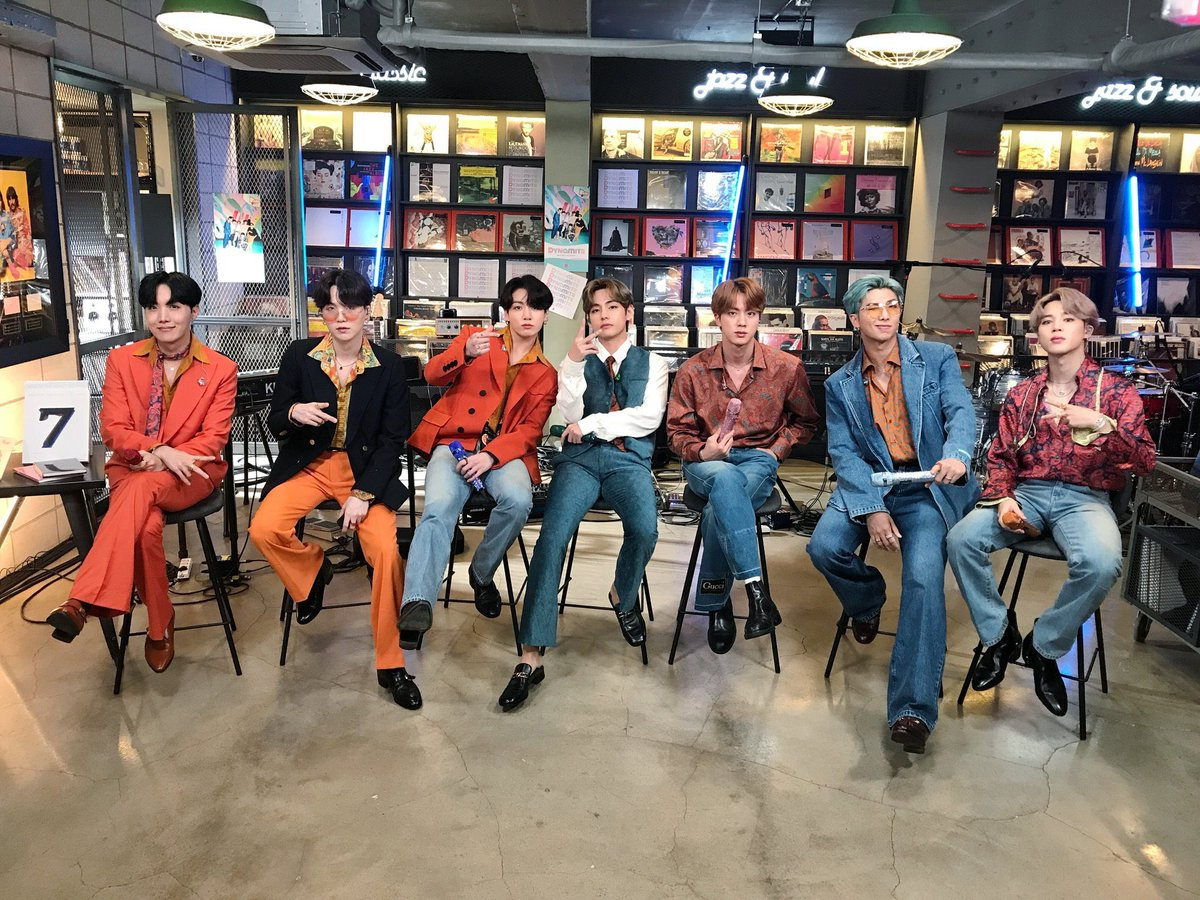 gosh !! miss @BTS_twt so much with all those live vocals and outfit !!  im very proud #BTSARMY  #BTSxTinyDesk https://t.co/t1aUhwL15h
