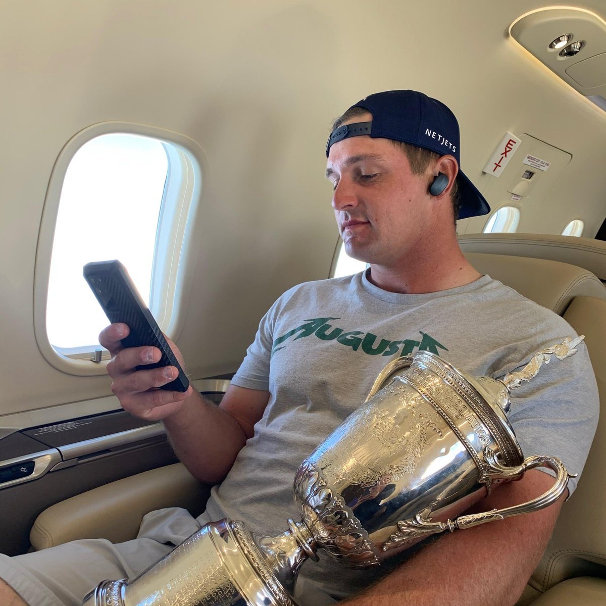 .@b_dechambeau knows there is nothing better than the feeling of a hard-fought victory. The Bose QuietComfort® Earbuds help him celebrate and #FeelItAll while looking ahead to the next challenge. https://t.co/yPH2uFuVg1 #BoseEarbuds https://t.co/w3v9HRONCX
