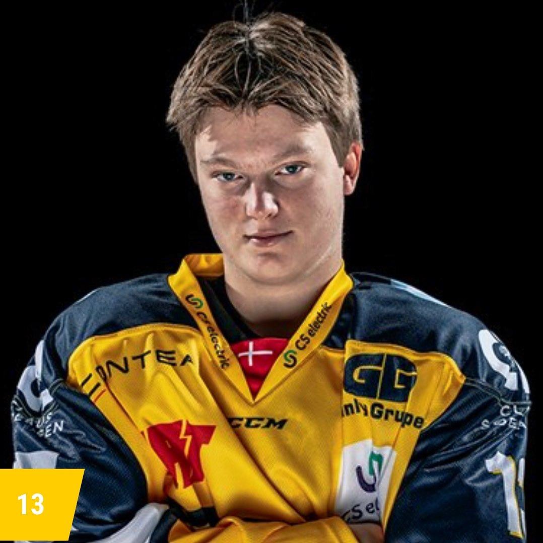 After leading Denmark U17 in scoring last season Carl Winding has started this year on a tear, racking up 4 goals in his first 3 games with Esbjerg U20! Congratulations Carl! #teamdenmark🇩🇰 #brightfuture https://t.co/YeQ1bp8EDe