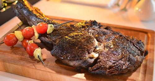 Recette de #côte de #boeuf au #barbecue, comme au #Texas (Etats-Unis) #ribshttp://streetfoodetcuisinedumonde.blogspot.com/2014/07/recette-de-cote-de-boeuf-au-barbecue.html https://t.co/amxs4PoHNQ