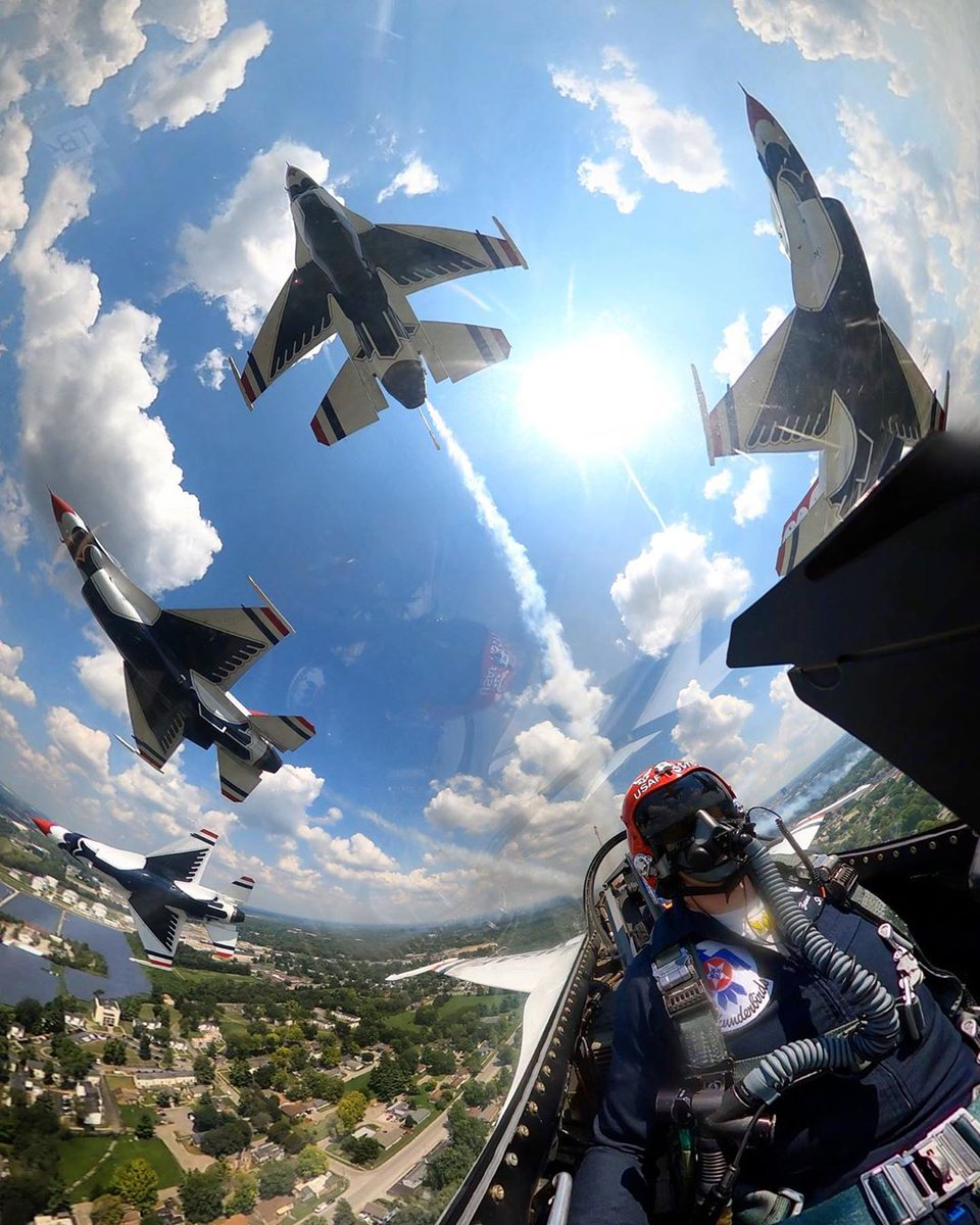 What a view 😍  #TacticalGear  📸: @AFThunderbirds https://t.co/XdpogZY1OH