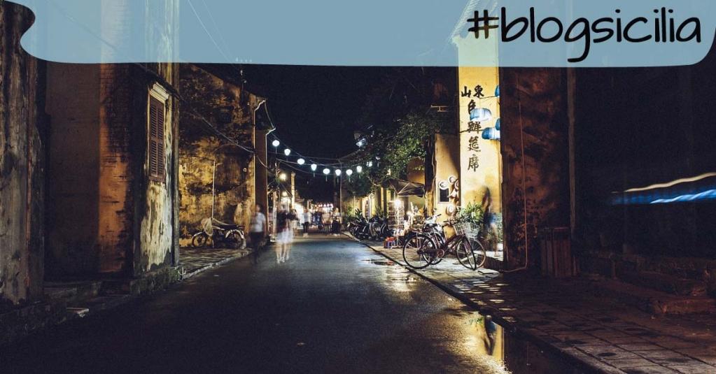 """""""Io vado sognando strade nella sera"""". Antonio Machado  Buona serata da #blogsicilia"""