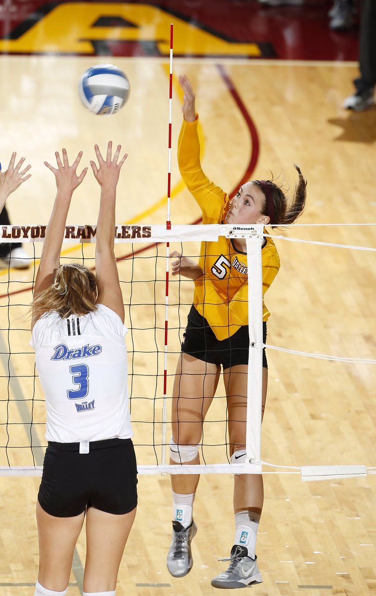 On this date in 2013, #Loyola collected its first @MVCSports victory, getting past Drake in three sets at Gentile Arena. @morgan_rearend tallied 13 kills to pace the #Ramblers' attack. #OnwardLU #MVCVB https://t.co/Nr46hkNW6R