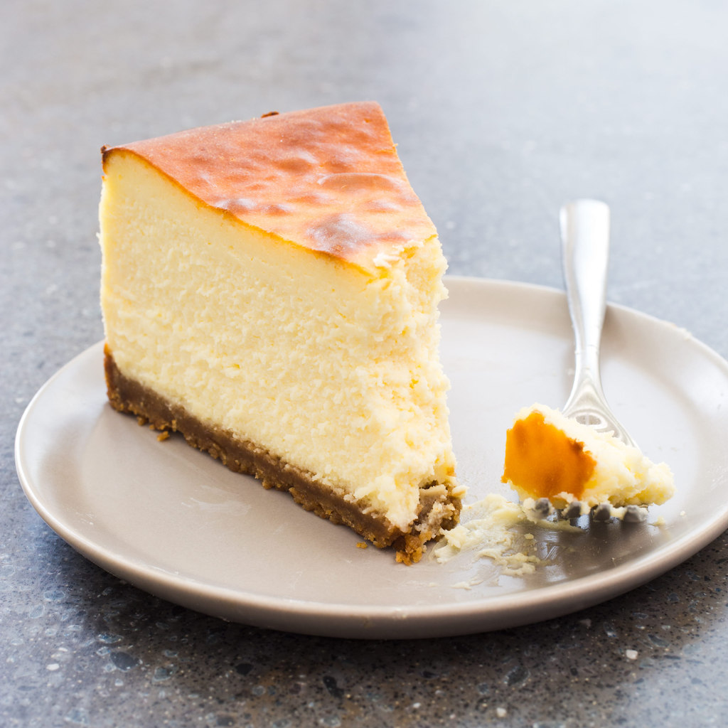 Start spreading the news...it's #NationalNewYorkDay and we're celebrating with none other than a classic New York Style #cheesecake!  You can too--start your #FREE online #cookingclass trial today. #escoffier #cooking #baking #food #recipe #cookingclasses https://t.co/FuvNf2GQe8 https://t.co/P68S3Ha0XW