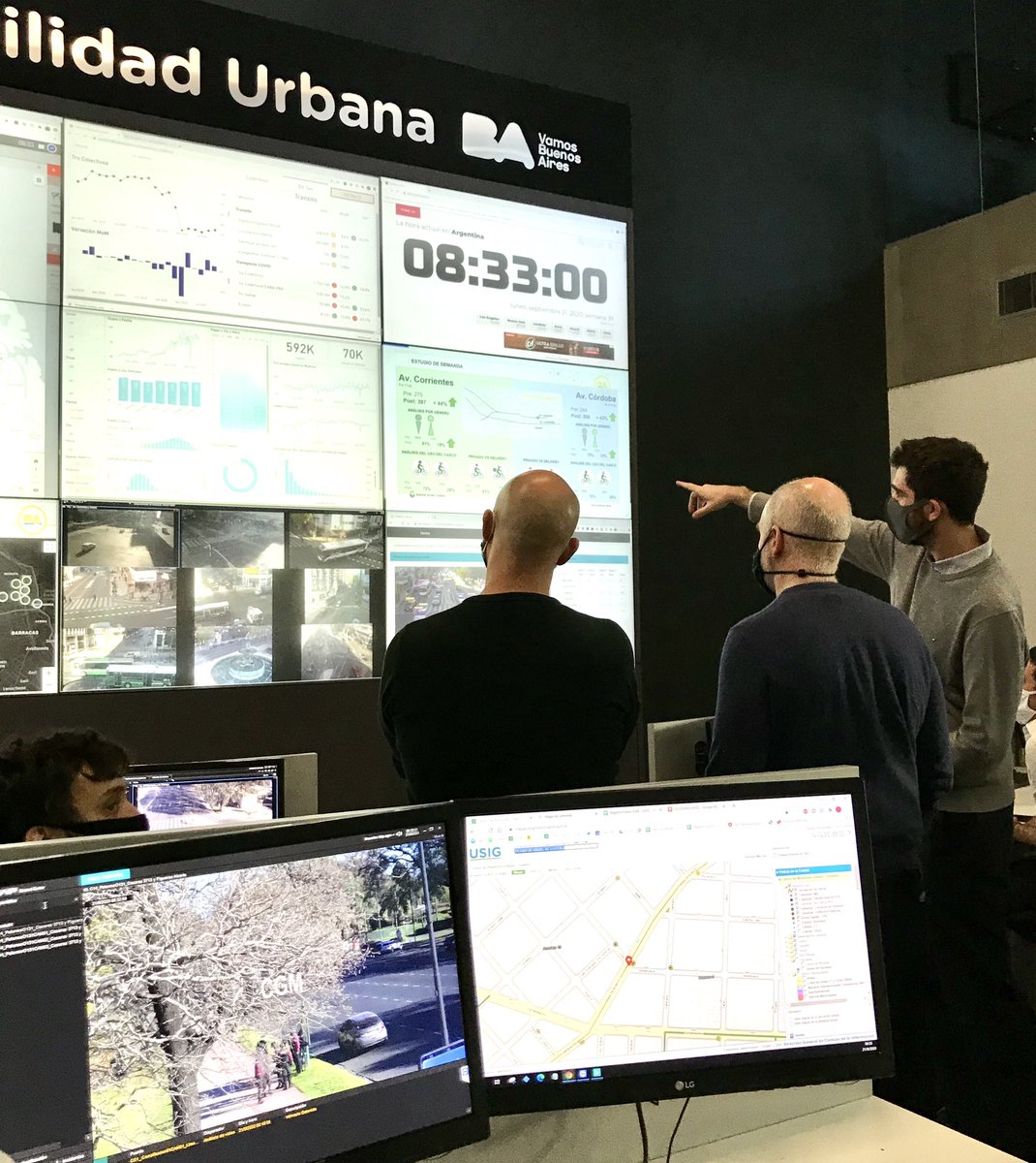 #SemanaDeLaMovilidadSustentable Desde el Centro de Monitoreo y Gestión de la Movilidad Urbana centralizamos, monitoreamos y evaluamos permanentemente el tránsito en las calles de la Ciudad y, también, en las ciclovías. https://t.co/1rLfDwIwfF