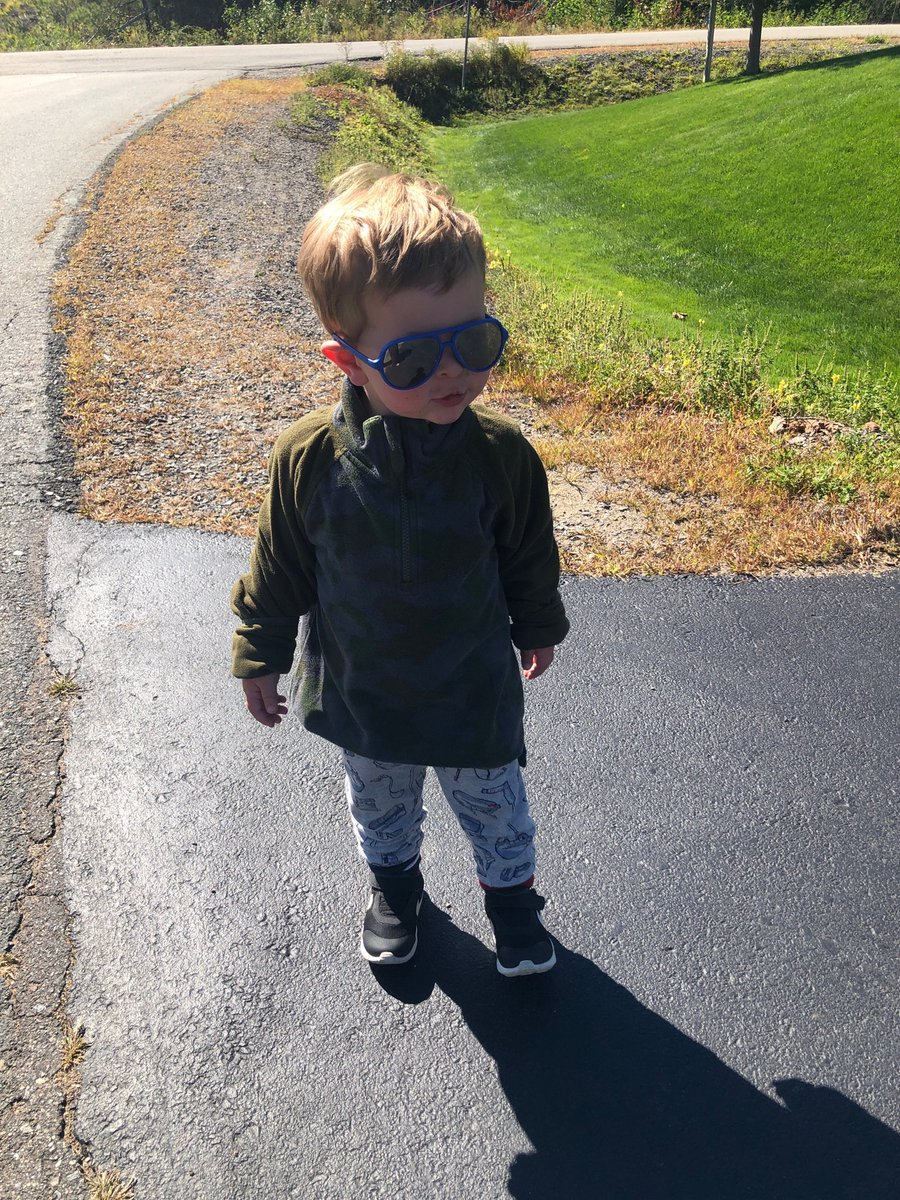Sunny day in #NewMinas. #cooldude #Shades #Autumn waiting for big brother and sister to get home from school. ⁦@newminaselem⁩ https://t.co/AWQwkzRRfk