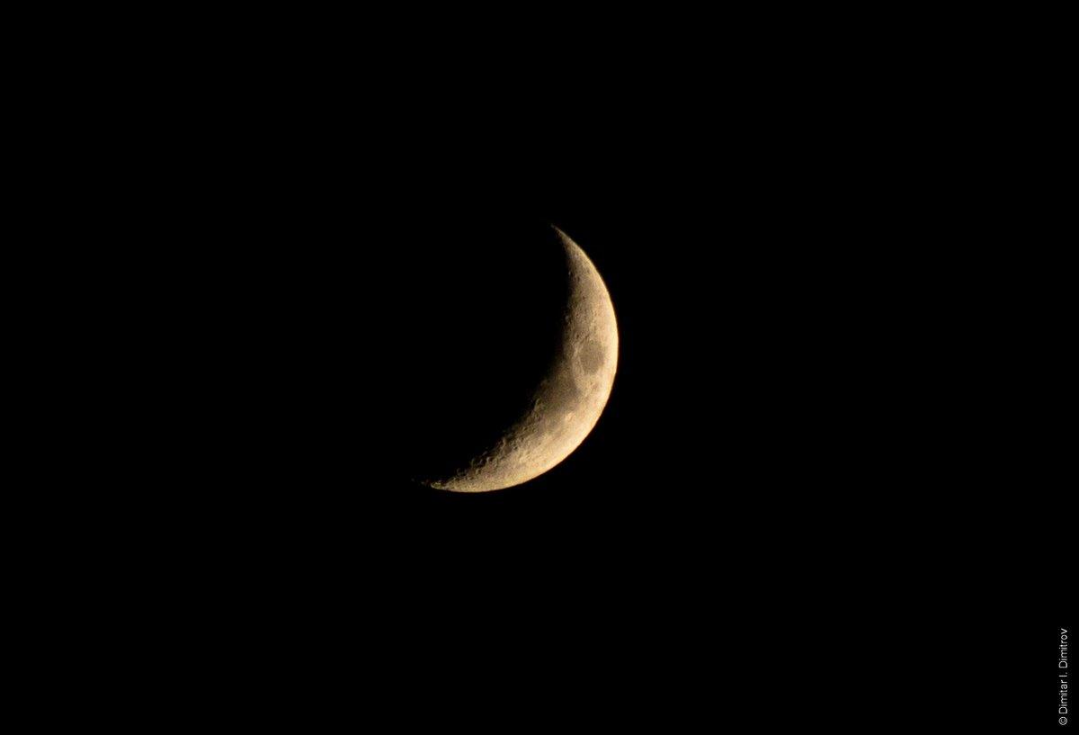 Луната тази вечер. 🌙  #moon #moonphotography #photooftheday #photographer #photographer #photodimm https://t.co/NBVcy852SQ