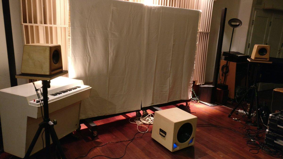 Magnifique expérience que ces formations de @deveniringeson avec #PatrickThévenot au #StudiodeMeudon, ces enceintes #bora de @Prosodia_audio sont hallucinantes. https://t.co/zcQhZwa6UV  https://t.co/S76k3tvTmr  #son #monitoring #ingeson #ecoute https://t.co/SmySsX72ck