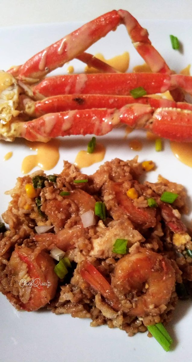 Shrimp & Chicken Fried Rice & Garlic Crab Legs FYI: use 2 day old rice for a better result. #shrimpfriedrice #crablegs🦀 #cateringservice #privatechef #culinarychemist #prettygirlscancooktoo #bookme #dm #supportblackownbusinesses #smallbusinessowner #cookingclass #cookingwithbae https://t.co/dt4gKswC7i