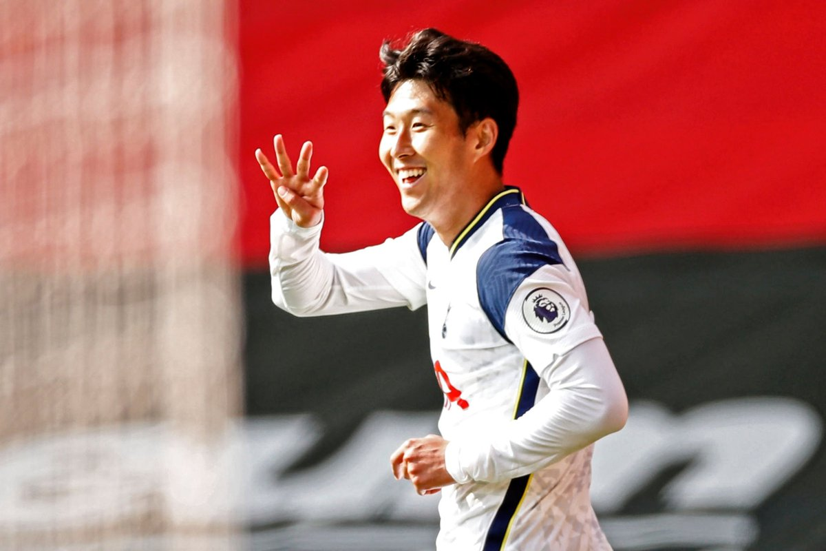 Jugador del día 20/09/2020:  HEUNG-MIN SON 🇰🇷  Sonaldo tuvo una actuación memorable al covertir el primer poker de un jugador asiático en toda la historia de la #PremierLeague ⚽⚽⚽⚽  #WorldFootballMVP #Tottenham #TottenhamHotspur #Son #Korea https://t.co/3i5L6BHAMN