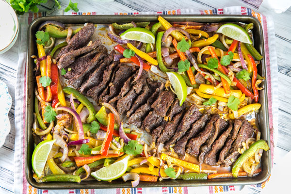 20 minutes and one sheet pan are all you need for easy make ahead Sheet Pan Steak Fajitas. https://t.co/GY5rmxUELu #recipe #fajitas #glutenfree https://t.co/9UPAi6Y2dE