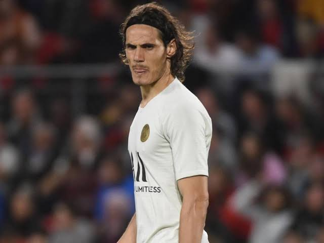 I think #Cavani  joining #RealMadrid will be a very useful gain in front line, because he has the experience and ability to end the attack ..  The position will be very comfortable ...  Think carefully you will succeed in the end @realmadrid https://t.co/Tiqe2iMtuZ