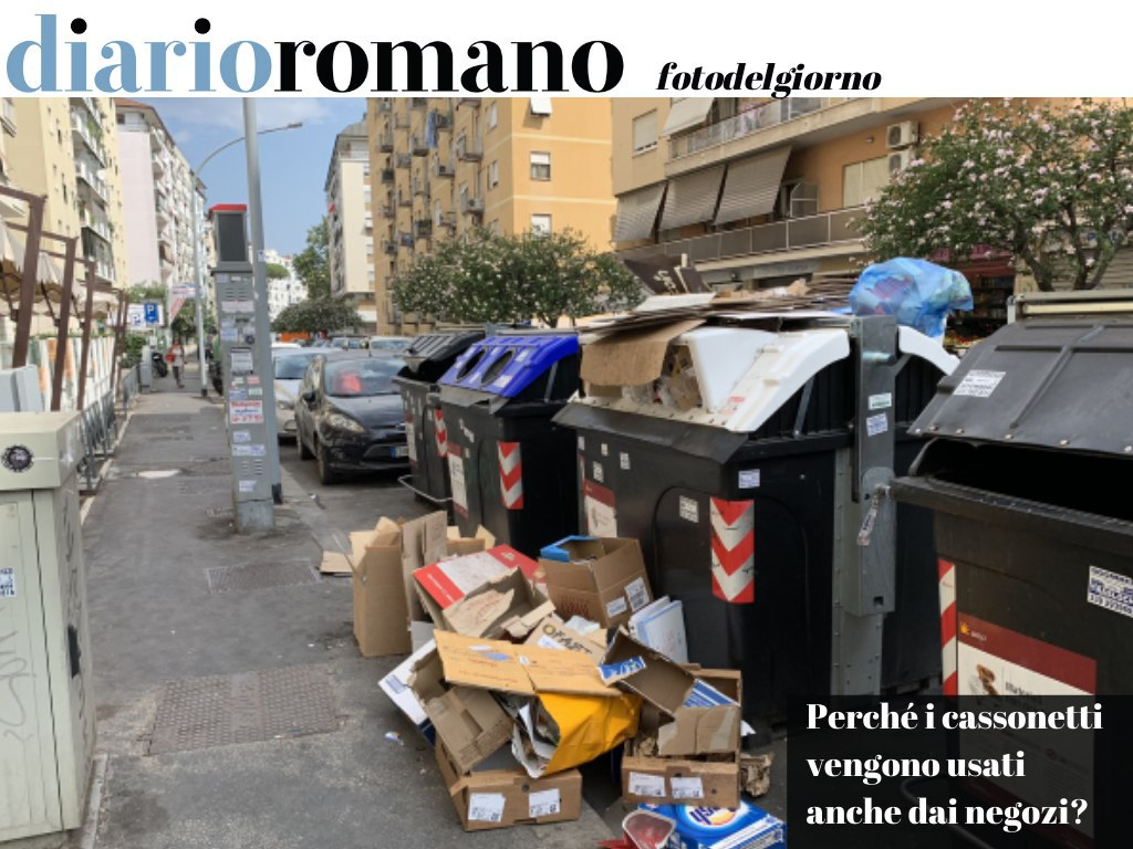 test Twitter Media - Gravi criticità per la raccolta carta al Tuscolano. Uno dei motivi è che i cassonetti vengono chiaramente usati anche dai negozi, cosa sbagliata e non sostenibile. . #Roma #fotodelgiorno 📸 https://t.co/nYBeEDPlv1
