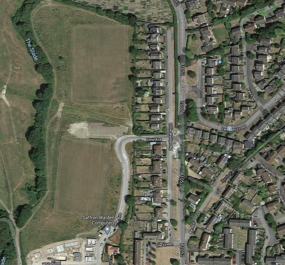 """There are two """"full sized"""" (just about) pitches as shown in the drawing above, with a small car park in between them. They are located on Lime Avenue in #SaffronWalden (seen from the aerial photo) which is off Little Walden Road.  2/ https://t.co/1fpem5WJbV"""