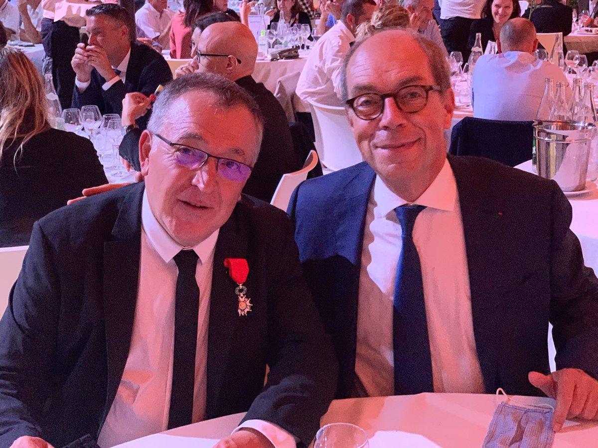 J'ai accueilli ce soir, à Montpellier, Salvador Nunez dans l'ordre de la Légion d'honneur: un homme du Sud, un maître d'ouvrage de talent, un champion du consensus et un ami. https://t.co/vcUYNzFEHI