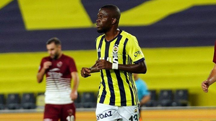 Enner Valencia disputó su primer encuentro como titular con el Fenerbahçe -  ÓRBITA DEPORTIVA