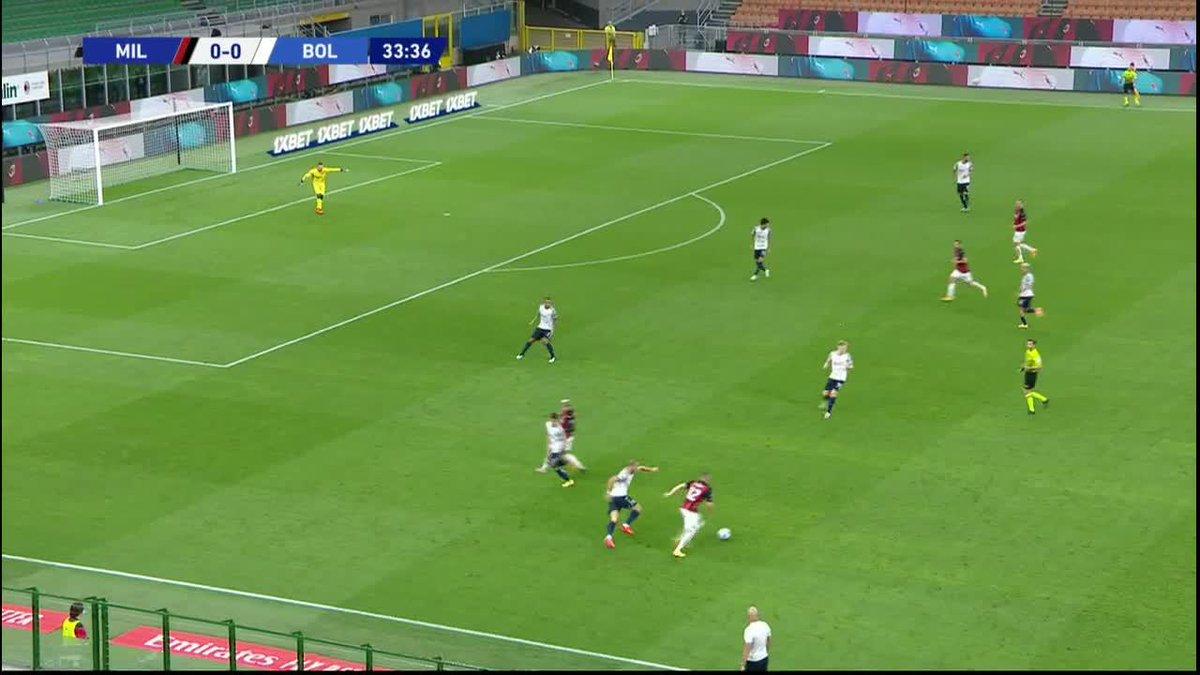 Zlatan doing what he does best, score goals! 🦁