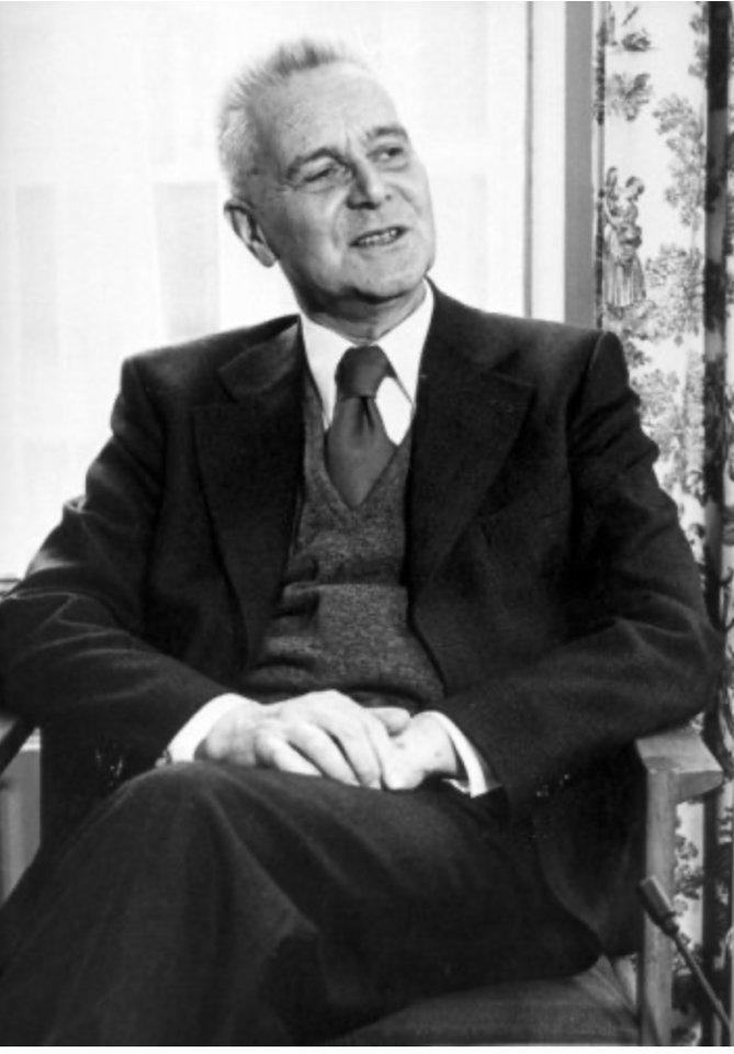1960'lı yıllarda dünya kalkınma literatürüne damga vuran, ekonometrinin kurucuları arasında kabul edilen; Türkiye'de DPT'nin kuruluşunda aktif rol alan Jan Tinbergen'i (12 Nisan 1903 - 9 Haziran 1994) birlikte tanıyalım. https://t.co/hJy505p7Ye