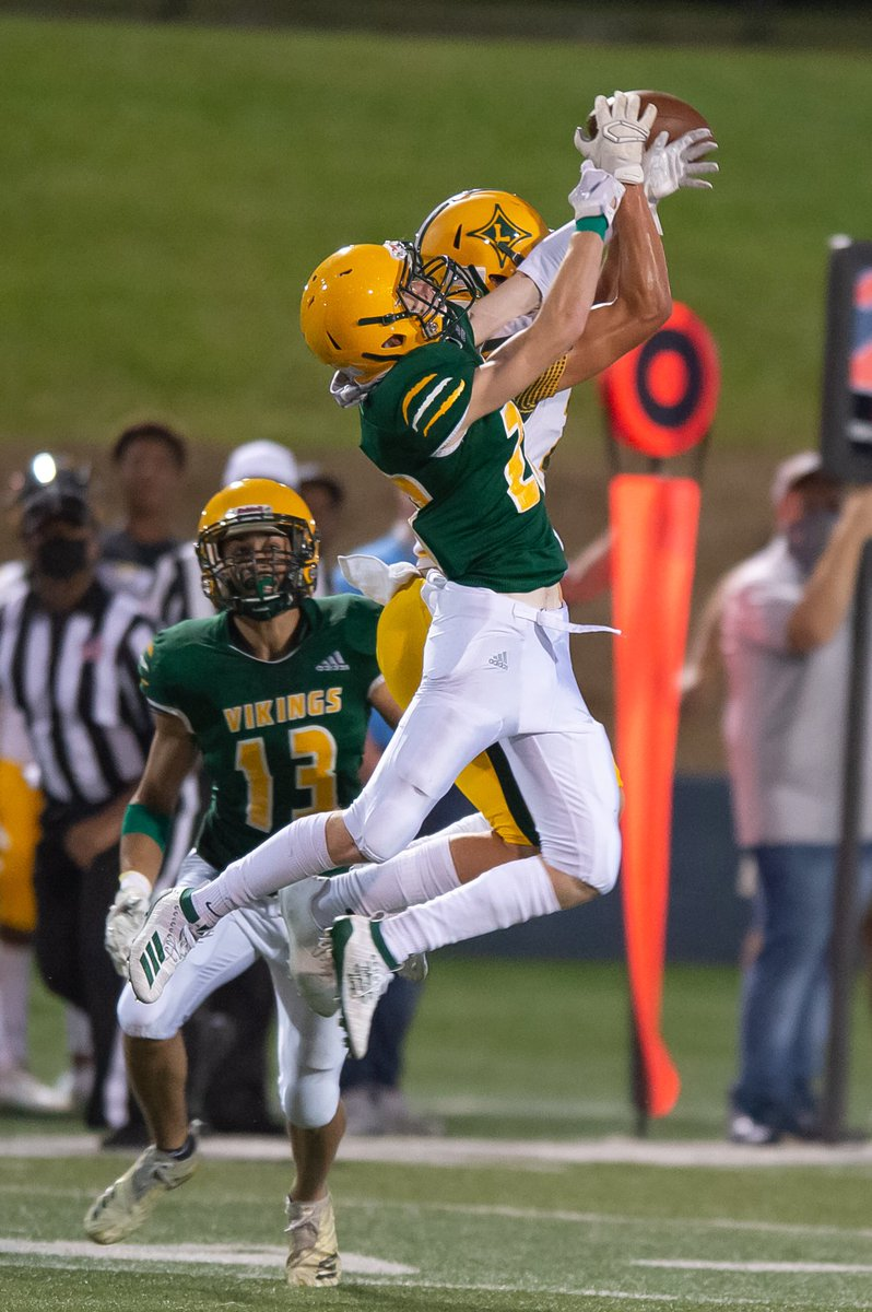 🏈 Look at those Vikings fly @SV_Vikings! Get your game pics of Spring Valley Varsity Football vs Laurens from the 2020 Lake Murray Kickoff Classic at https://t.co/EYyNVKFBwN where your photo MEMORIES are always FREE! RT and Follow. https://t.co/aIesuwnrW3