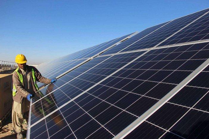💥¿Alquilar paneles solares ?💥  https://t.co/5J3DbGoK99 🏜¿Es beneficioso #alquilar paneles #solares? 🏡¿Donde puedo solicitar el servicio?🌅 ¿Será muy #costoso?😯 https://t.co/e8bMstLQnp