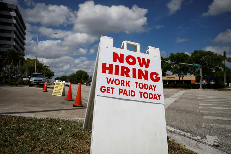 Americans grew more pessimistic about job prospects amid pandemic: New York Fed survey https://t.co/42JTkPZQzR https://t.co/Wjz7l1E8VX