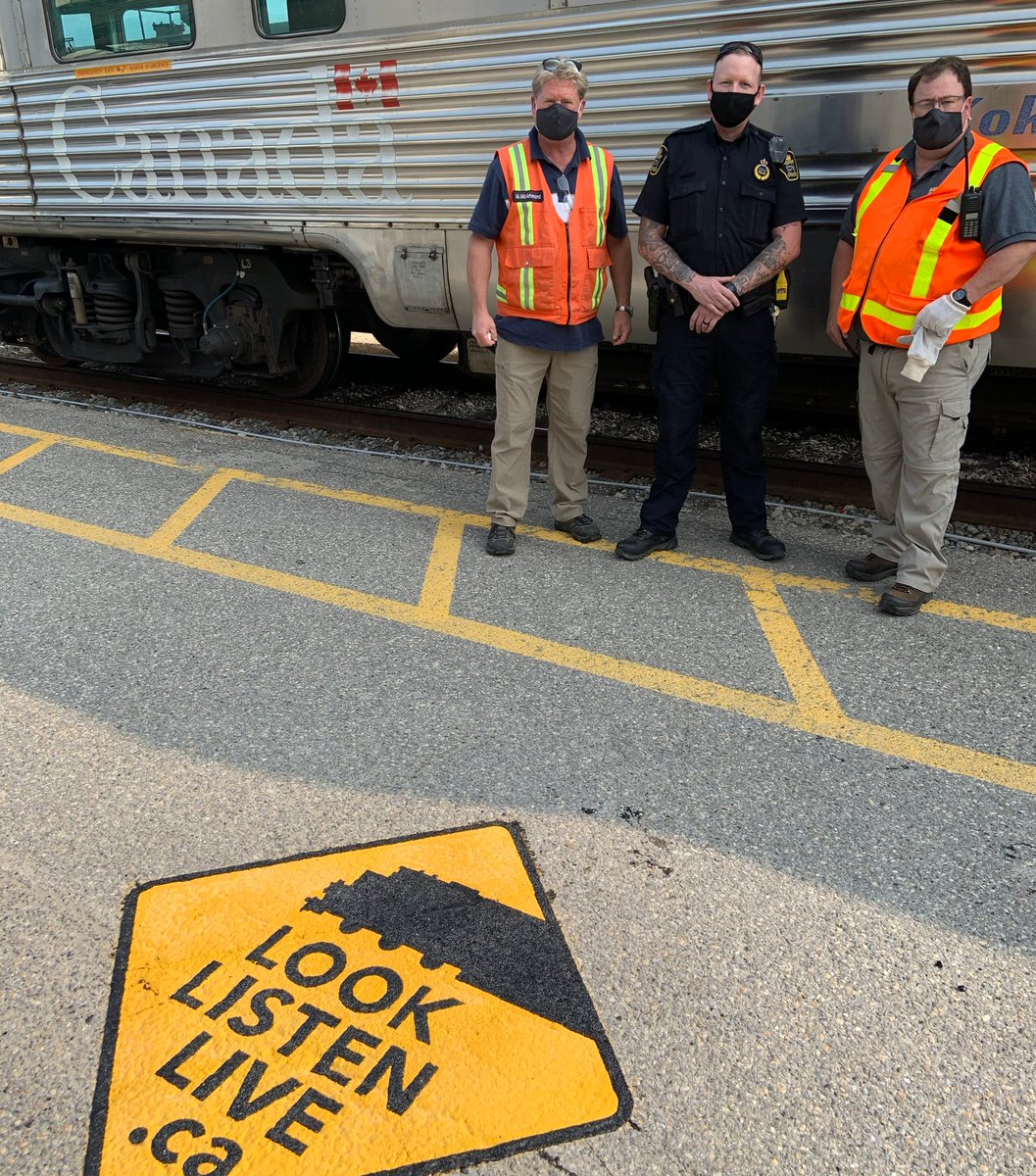 """""""Whether on board our trains, in our stations or in the communities we serve, we remain committed to rail safety."""" Read @Garneau_Cynthia's full statement for #RailSafetyWeek 2020 in our press release here: https://t.co/4TY1C9lUCh 🚸 https://t.co/g7lXRyBESL"""