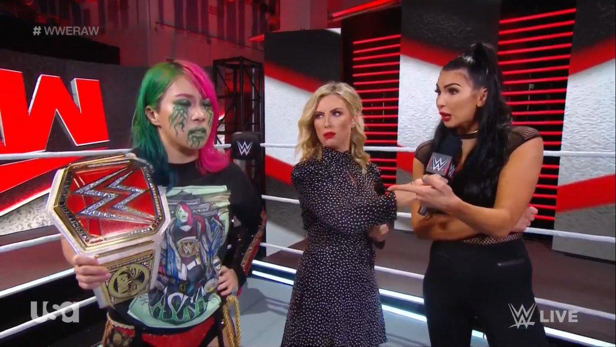#TheIIconics #IIconics #FemmeFatale #BillieKay #PeytonRoyce #WWE #WWERAW @BillieKayWWE https://t.co/HuCKNvvQgh