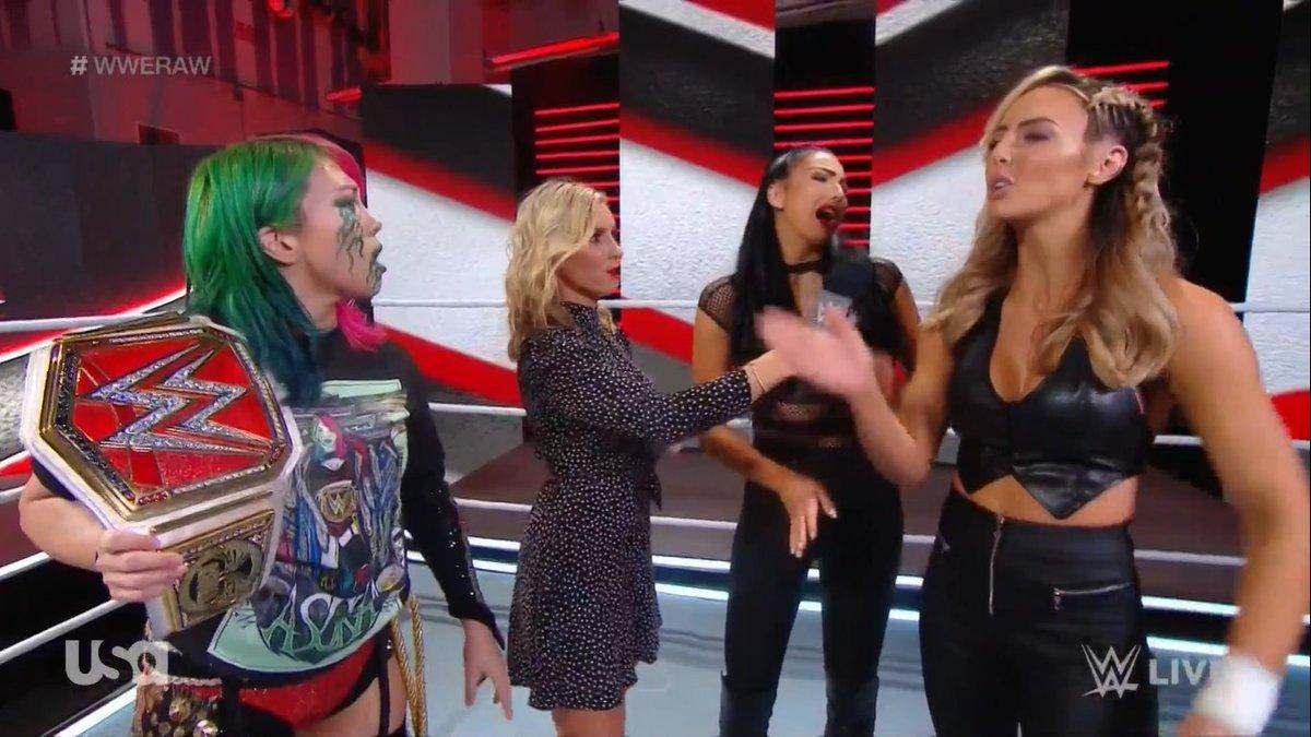 #TheIIconics #IIconics #FemmeFatale #BillieKay #PeytonRoyce #WWE #WWERAW @BillieKayWWE https://t.co/fqEgvjPiau