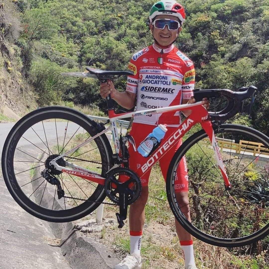 #AlexanderCepeda🇪🇨 es llamado hoy por su equipo Androni-Giocatolli al campamento que se prepara para el #Giro a Italia. 🎉🎉🎉🎉  #TulcánOnline https://t.co/uMXnUBZ1MB