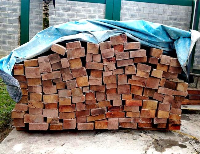 #FiscalíaSanMartín   La Fiscalía Provincial Especializada en Materia Ambiental de Moyobamba realizó un operativo donde incautó más de dos mil pies tablares de madera ilegal, en el distrito de Soritor; también se intervino a dos personas. 👉  https://t.co/80Scy0ps9o https://t.co/OPmTCbrTRg