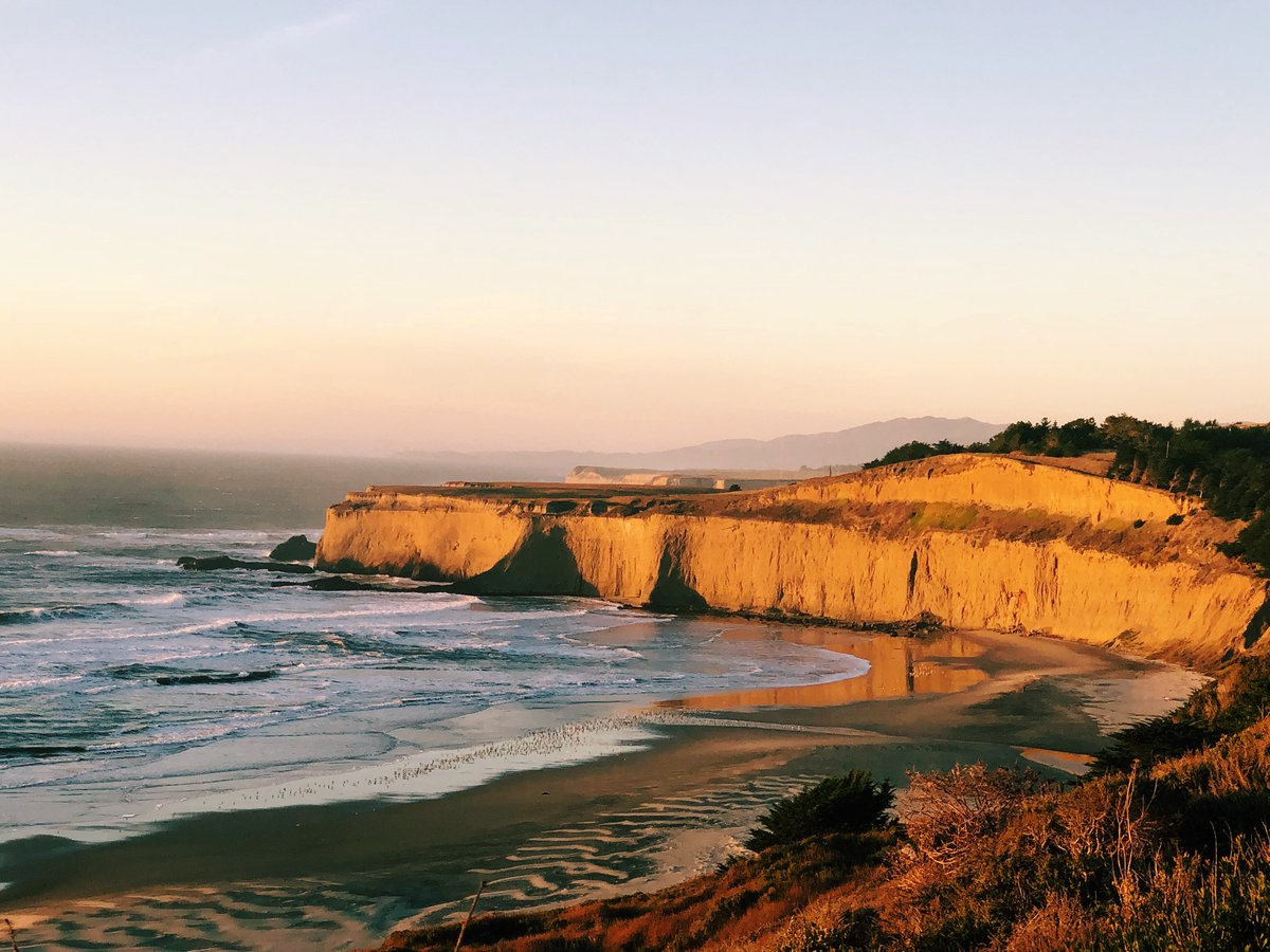 If you can't fly, drive. For Bay Area residents, Director of Food and Beverage Richard Lanaud suggests making an outing to Half Moon Bay Beach, where he and his family have built sandcastles and enjoyed oceanside picnics. #FSConnectsAtHome https://t.co/1fVzkoBaJY