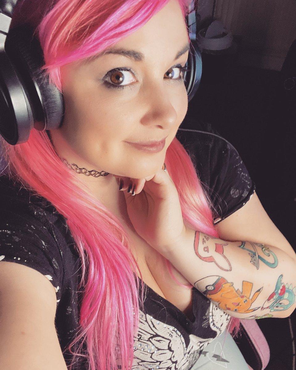 Thanks for watching tonight guys! 😘  https://t.co/2nmYLRPfW7  #kawaiilis #playstation #playstation4 #ps4  #pinkhair #emo #emogirl #altgirl #gamer #gamergirl #gamergirlsofinstagram #girlgamer #streamer #streamergirl #twitch #twitchaffiliate #streamerjunkie https://t.co/te6Y66SvJY