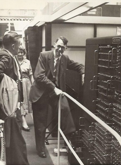 Britain's first mass-produced business #computer? The Hollerith Electronic Computer. See the 1951 prototype from Dr Raymond Bird @TNMOC - in person or through our virtual tour: https://t.co/jCf9WGfZ6t @MKComFoundation @TICCIHBrit @kidsinmuseums @theweekjunior @educationgovuk https://t.co/CU1r8Cz8jo