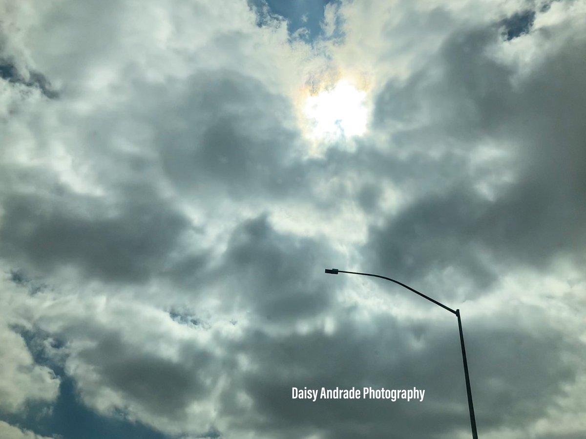 #daisyandradephotography #city #shadows #photographylovers #instapic #photo #photographylife #travelphotography #colorful #California #outdooradventure #trendy #abc7eyewitness #abc7community #vistala #naturephotography #photographyeveryday #newsphotographer https://t.co/GjyjW2xRAa