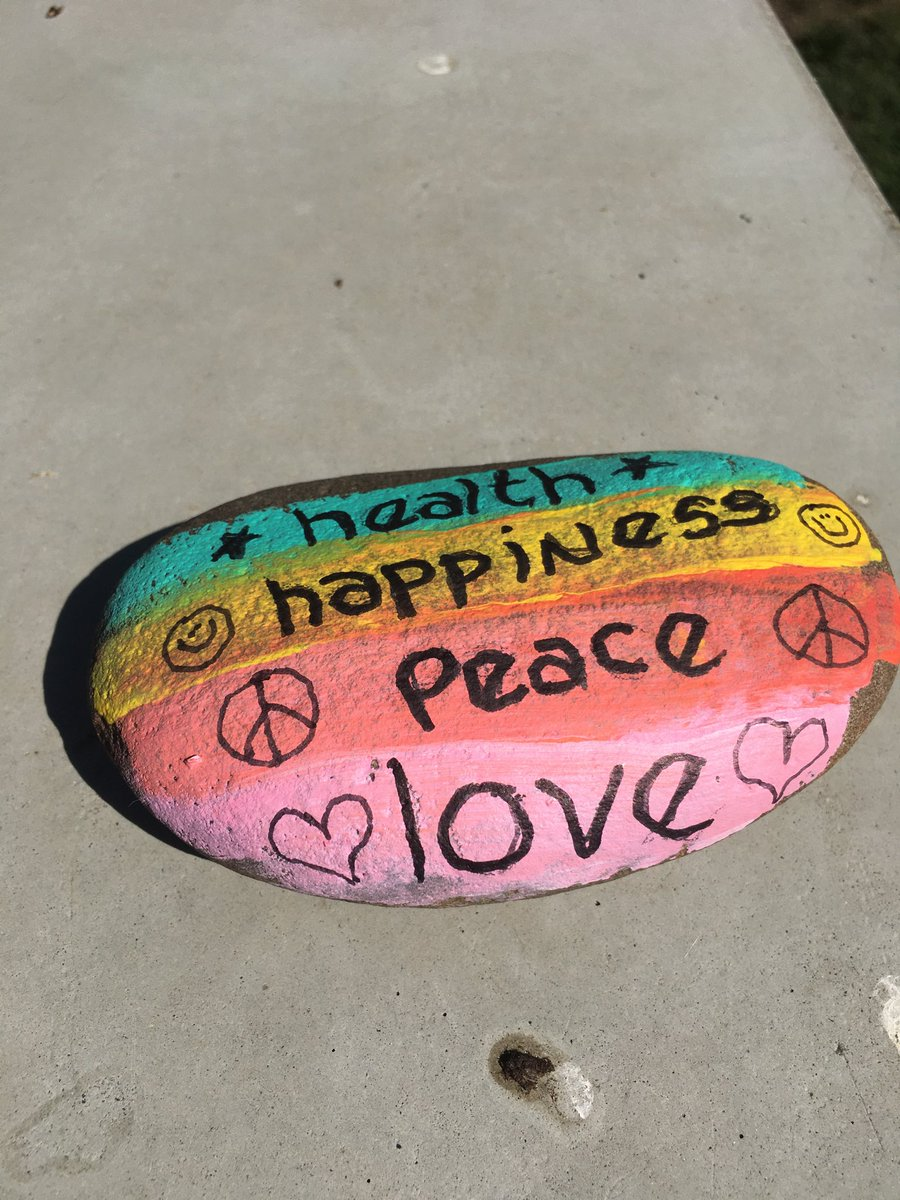 Found this on my #walk today. Left it for the next #walker #health #happiness #peace #love https://t.co/MV4KDPmWY7