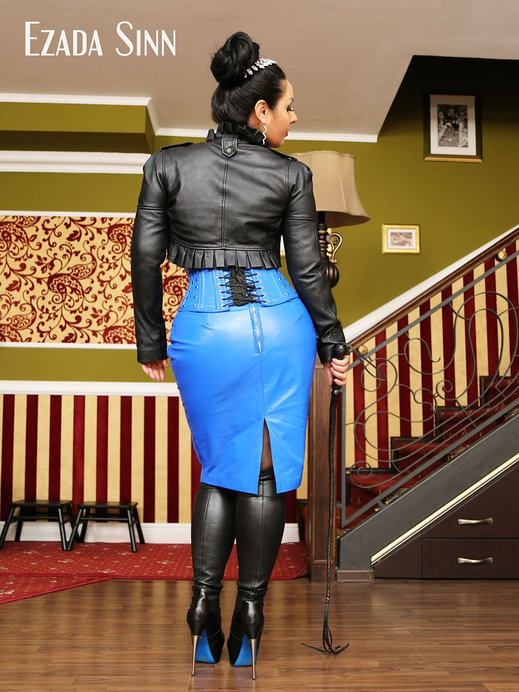 Cum tribute for My new leather skirt  I love leather, and very time I have a new leather item, I expect you to honor it by offering Me your cum tribute..  @Mistress_Ezada  Buy Full Movie: https://t.co/7JI5rpOFzG  📌 ғᴜʟʟ ᴍᴏᴠɪᴇ: 11 ᴍɪɴ / $13.19 📌 https://t.co/m0x66UgTHT