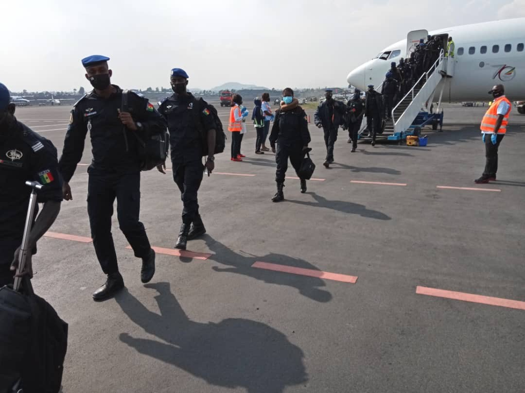 In the D.R. Congo, Senegalese police officers 🇸🇳 of @MONUSCO are resuming rotations delayed by #COVID19.    135 officers, including 38 women, arrived from Senegal to continue operational activities.   📰https://t.co/AbHbAF6JBc #A4P https://t.co/PBibc06pNo