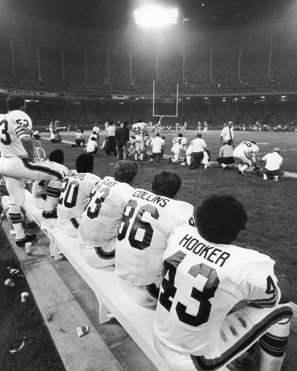 Sept. 21, 1970, @RealJoeNamath and the @nyjets took on the @Browns at home in the first Monday Night Football game, broadcast on @ABCNetwork   The Browns came away with the victory, 31-21  📸 ABC Photo Archives https://t.co/J9jy6hPsTi