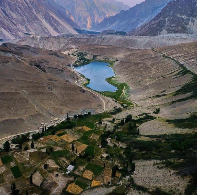 Borith Lake Gojal Hunza ❤️                   #borith #lake #Gojal #hunza #hunzavalley #nature #naturelovers #NaturePhotography #heavenonearth #incrediblehunza #pakistan #NaturalBeauty #2020 #Travel #tourism #peace #worldtourism #travelpakistan https://t.co/gZ5QzaNDhw
