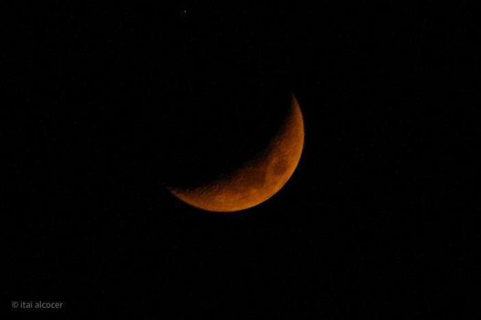 Mi versión de la #Luna hoy 21/sept/2020 desde #Cancun #ojosalcielo @apod @chematierra @toro_an @AstronomiaRivas @AstroAventura @AstroAficion @Astrofsica1 @astronomia_mag @PlanetarioCun @QueOndaCancun @VivoEnCancun @esa_es @esa @onlyastrophoto https://t.co/8g72R7RpY7