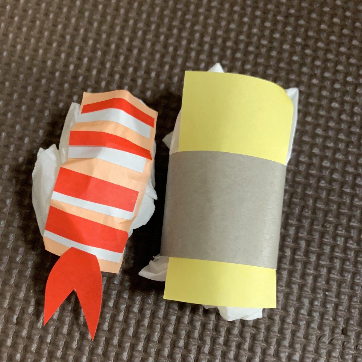 子供たちとお寿司作り← え!?えびー!?たまごー!?と必死に作るお昼時←  #折り紙 #お寿司  #本物食べたい https://t.co/yV6tpmfcPO