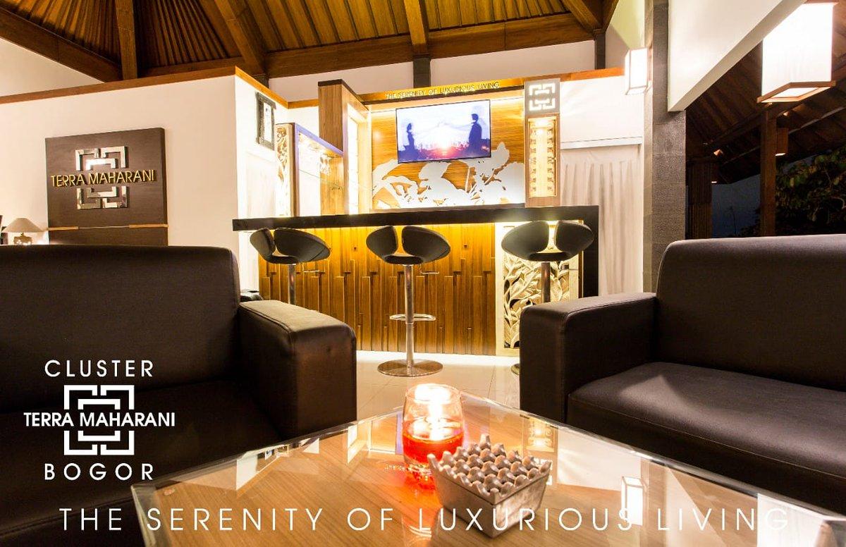Kami ciptakan gedung serbaguna untuk memudahkan anda berinteraksi dengan nyaman.  Terra Maharani  The Serenity of Luxurious Living  +62-87778887776  #rumah #rumahdijual #rumahminimalis #bogor #cluster #rumah123 #visitbogor #kotabogor #terramaharani #clusterbogor #rumahcom https://t.co/7oJ6FKx3O5