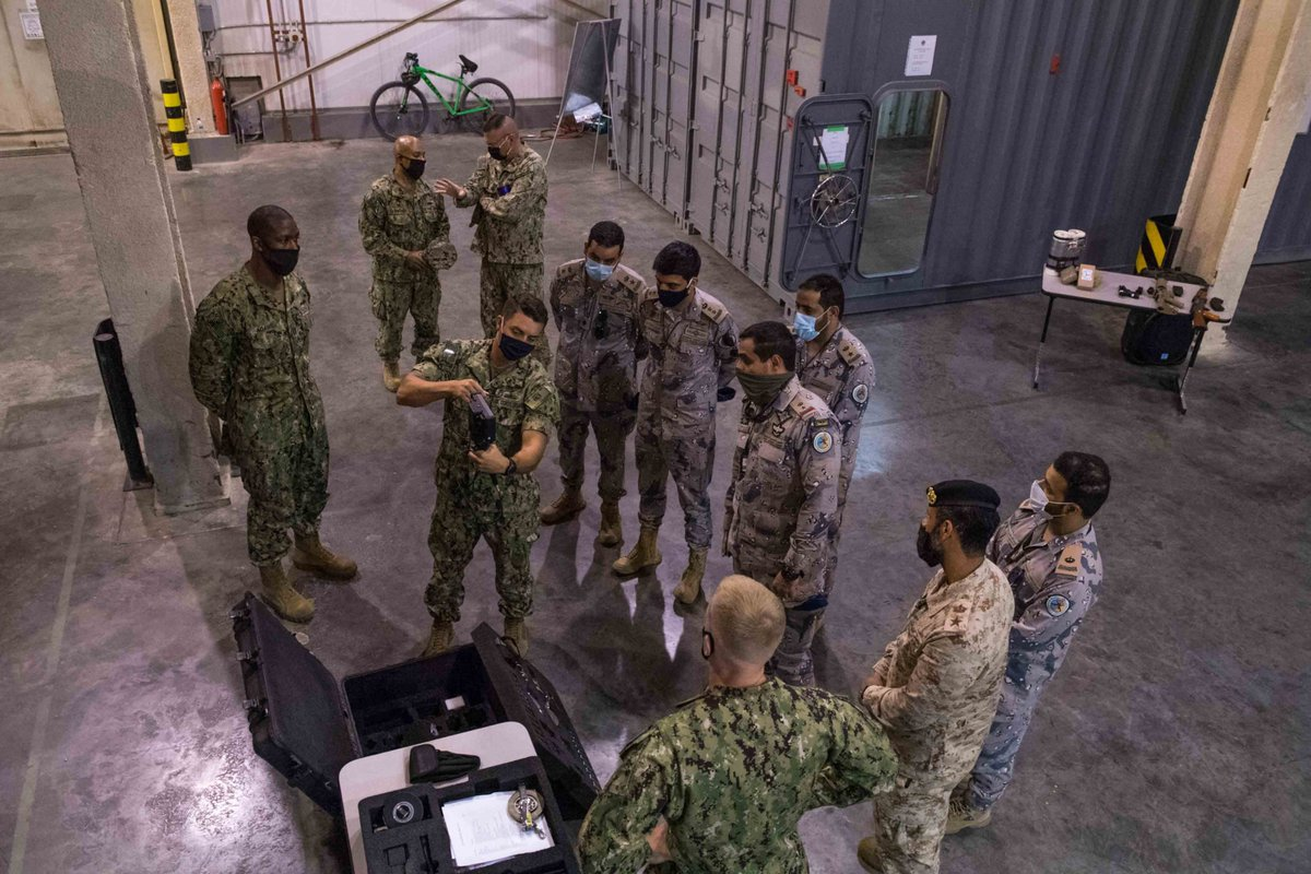 "CTF 152 visited the US Coast Guard's ""Ship in a Box"" facility. Capt Al Qahtani, CTF 152 commander: ""Alongside our partners like the @USCG, CTF 152 can work towards a shared aim to deter illicit maritime activity in the region."" 🔗 bit.ly/32OrccO #PATFORSWA @bg994"
