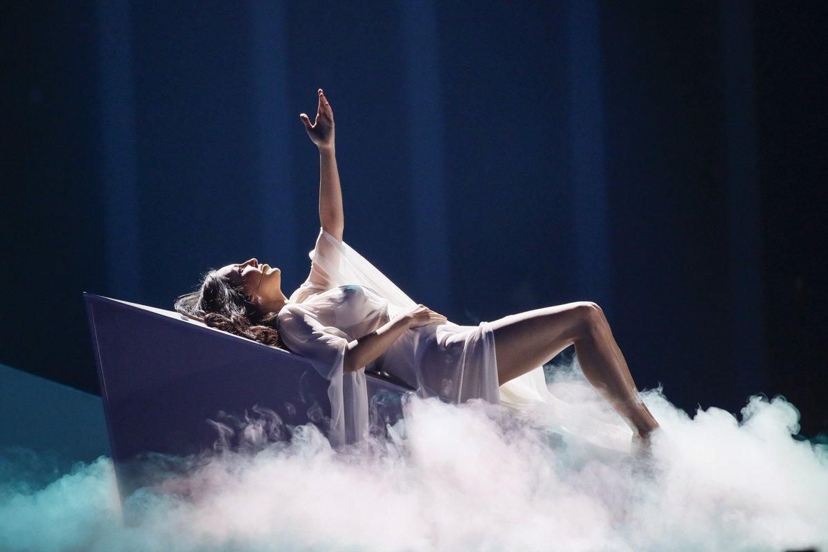 """Aisel critica a """"X My Heart"""" y el procesa en el que se la escogió para Lisboa 2018 https://t.co/hZypd7Wejo #Eurovision #esc2018 https://t.co/JlQqXehgvG"""