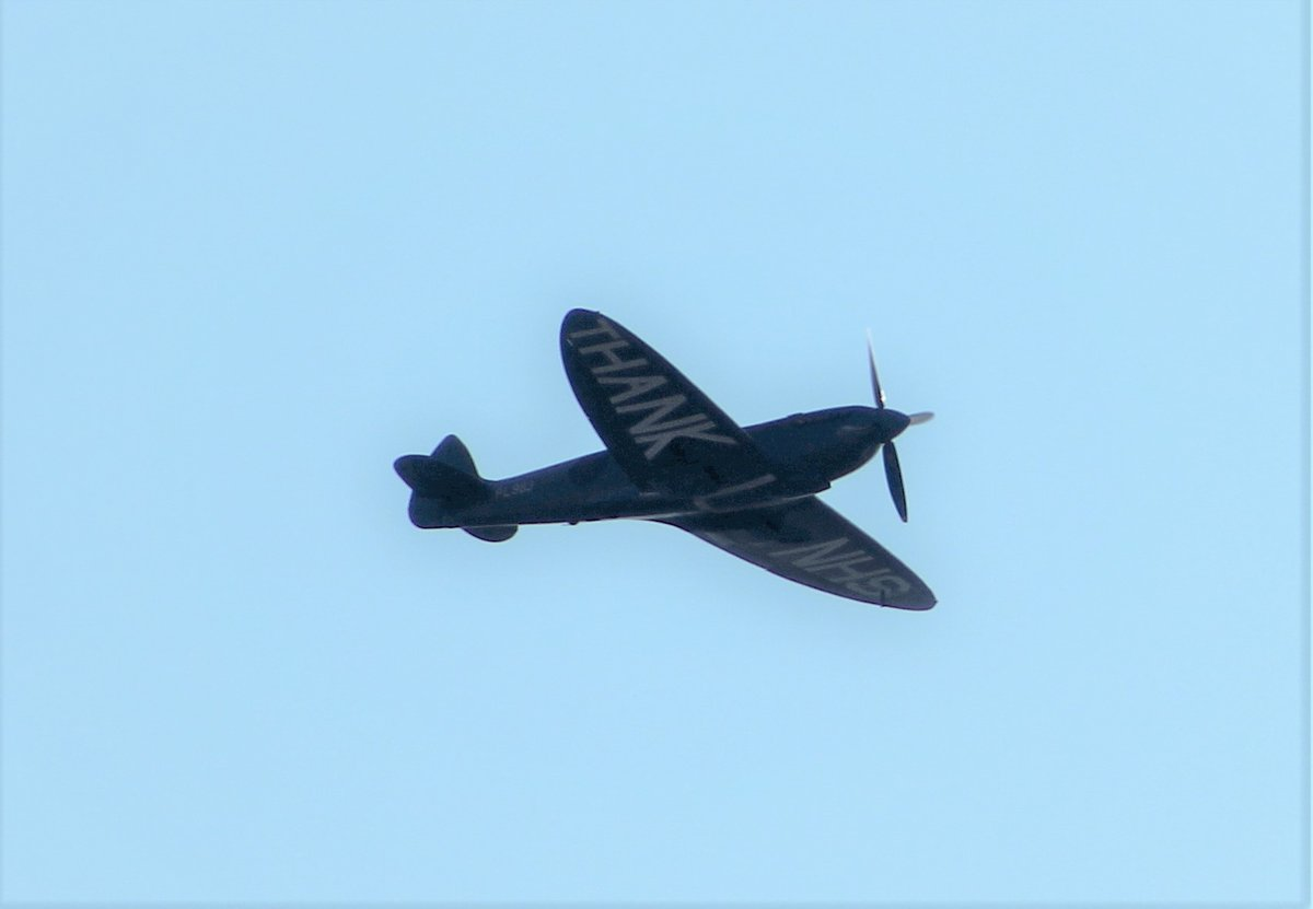 Just seen the #NHSspitfire pass overhead me in #Stanningley west #Leeds, What a sight & sound https://t.co/jW6LkemG9Z