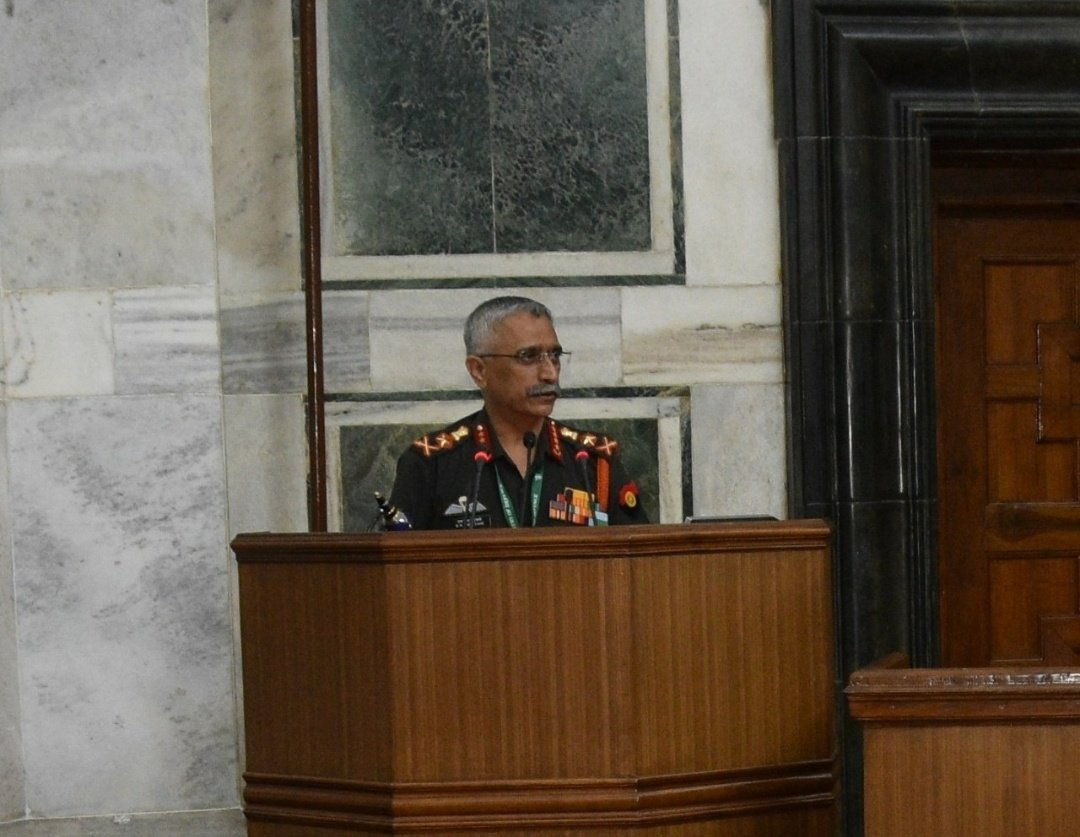 Retiring Officers' Seminar was conducted today. Due to COVID protocols, Officers posted in Delhi only attended.  General MM Naravane #COAS commended all retiring Officers for their service to the Nation & bid them adieu. The Officers will be superannuating on 30th Sep 2020. https://t.co/4q2NbomqGT