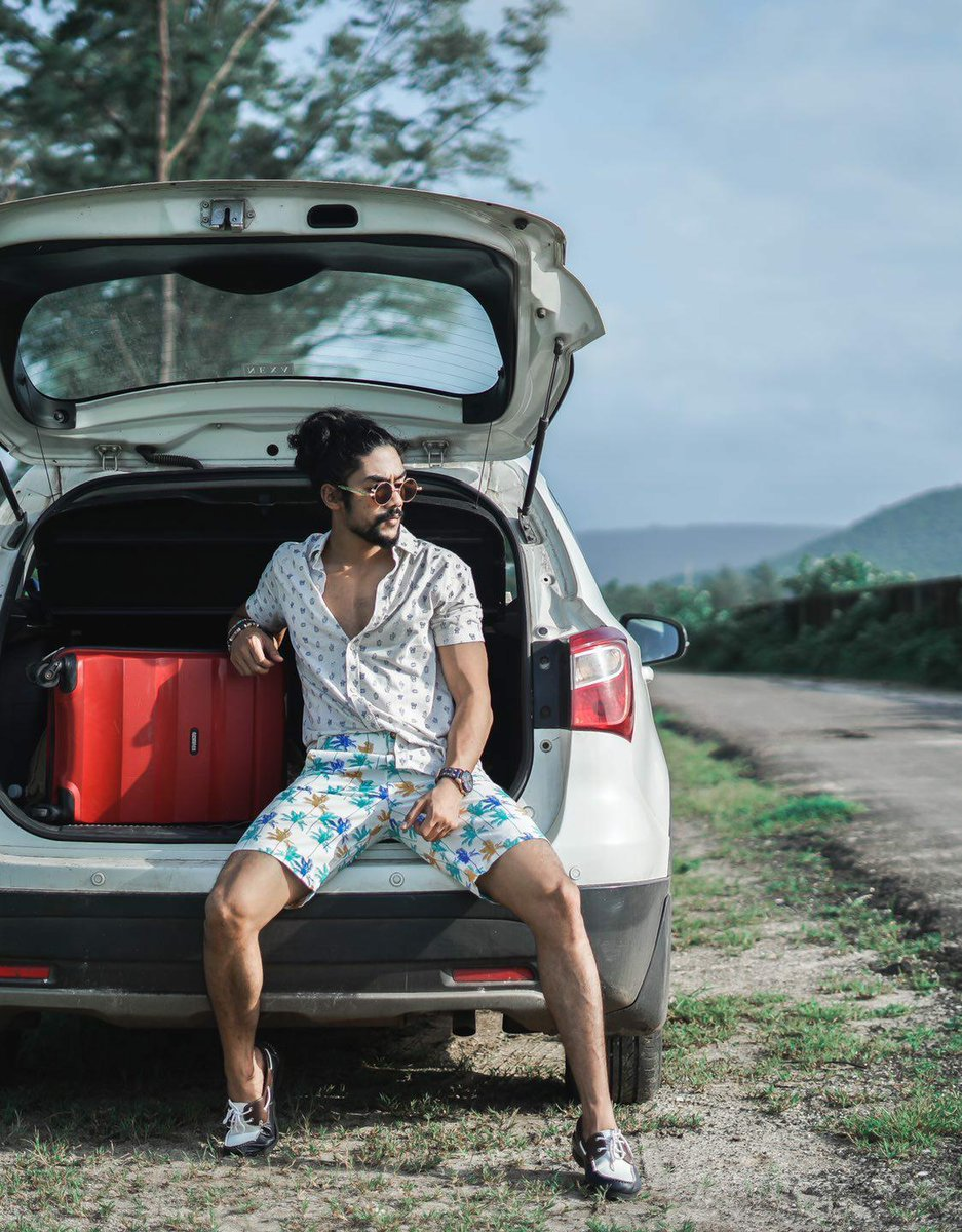 The joy of just packing up & heading out for a road trip is inexplicable!  Drop a ♥️ in the comments if you can't wait to travel like that again!