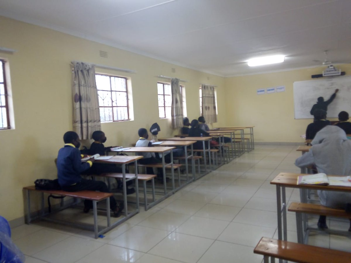 #EduRevolution is happening @JusticiaDlc with the grade 6 Learners from Babati Primary School doing Maths and English #OpenLearningAcademy is Fun @GwfOnline https://t.co/4Z5OinwxZe