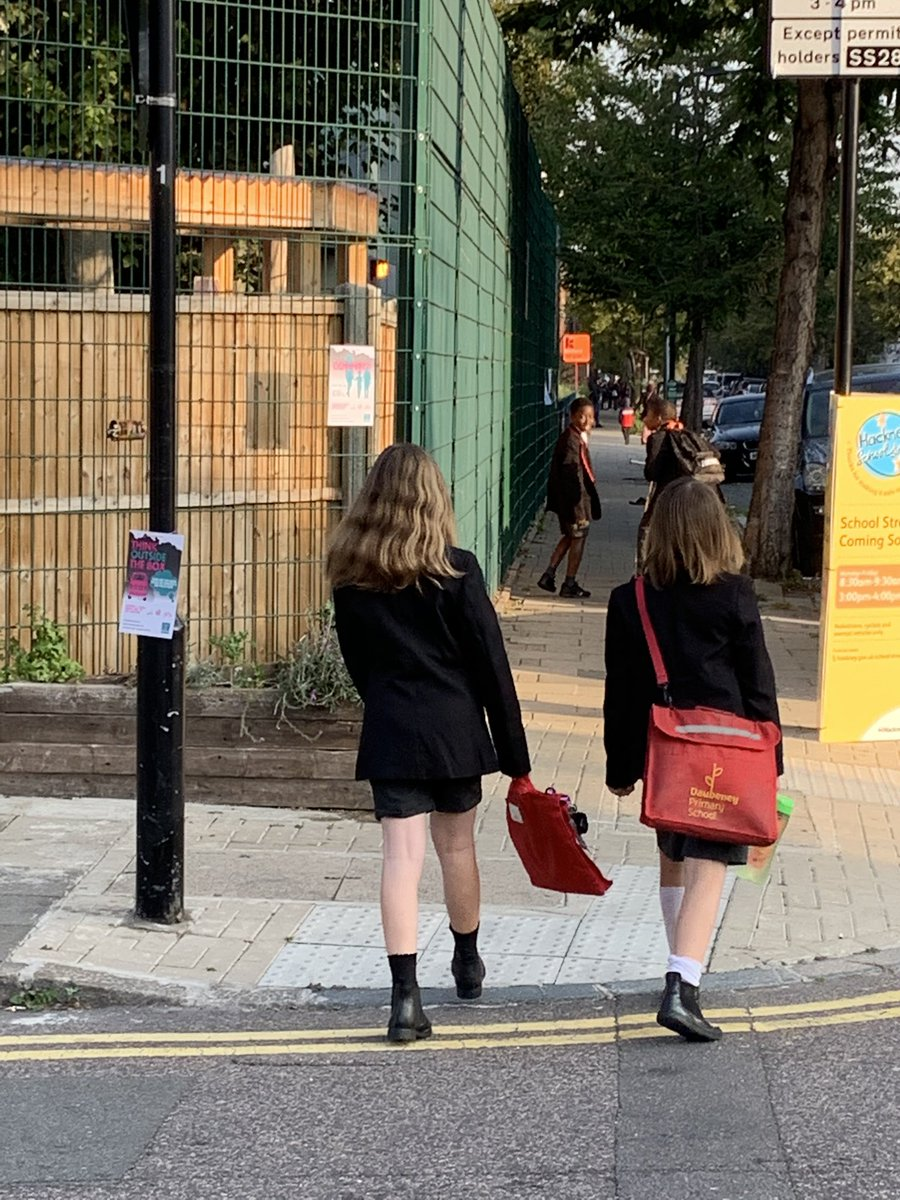@MumsForLungs #ditchpollution #BuildBackBetter @DaubeneyHackney we're looking forward to the new #schoolstreet becoming operational. Our kids need clean air https://t.co/hbADdUpS9F
