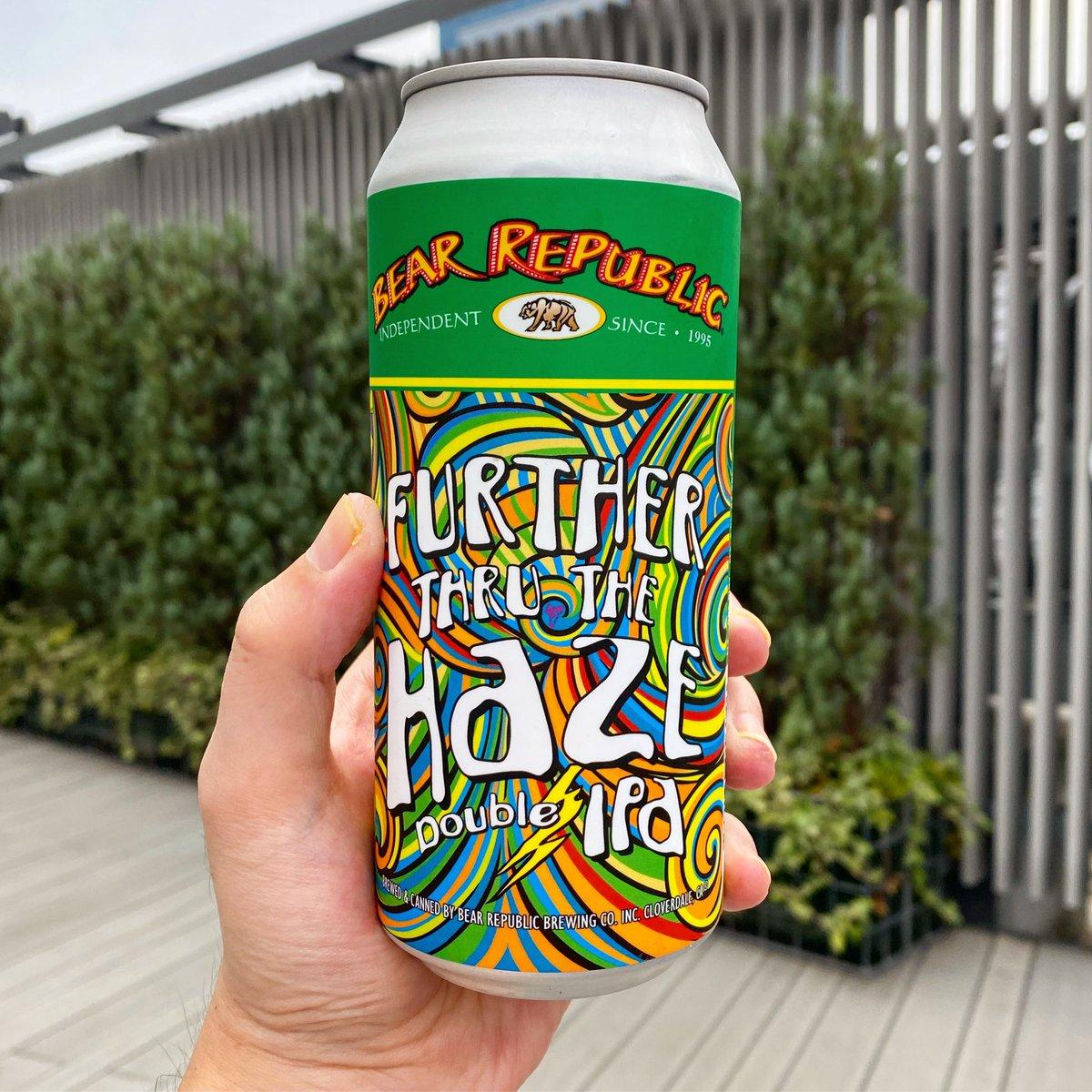 「TENET」の感想話しながら、Bear Republic BrewingのFurther Thru The Haze。池袋西武の屋上はいつも俺たちの駄話を受け止めてくれるな。#craftbeer https://t.co/BzPWEQXRCe